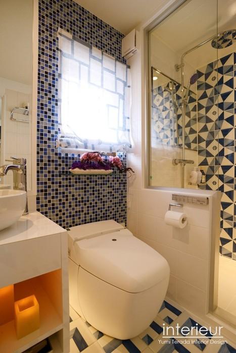 シャワー室ロゴ入り.jpg